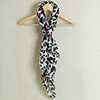 Fashionable Stole in Classic Black and White